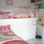 Dormitorio juvenil a medida con cama supletoria y armario arcón hecho a medida